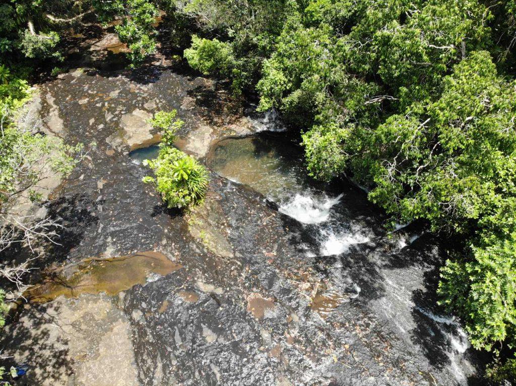 Babeldaob Weg zum Wasserfall