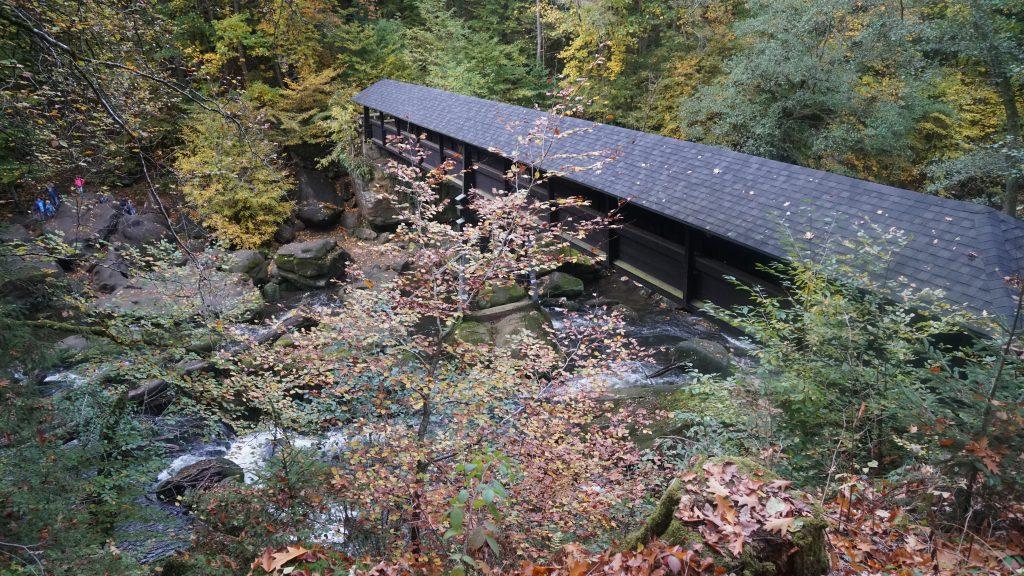 Wasserfallbrücke